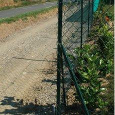 piquet de clôture en vente chez clotures-grillages.com