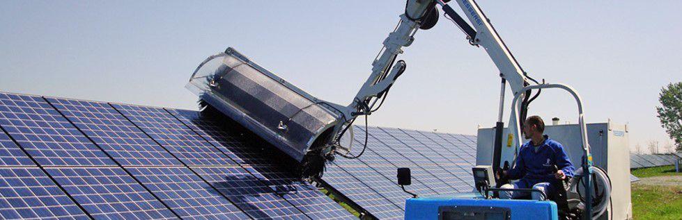 Allez sur le site clean-progress.com pour savoir combien coûte le nettoyage des panneaux solaires, entre autres