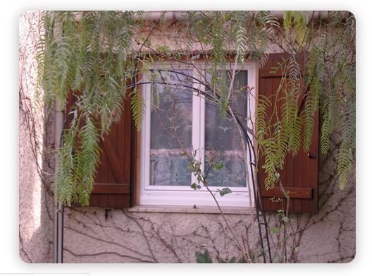 Les Menuiseries de la Vallée peuvent fabriquer et poser vos fenêtres PVC Toulon